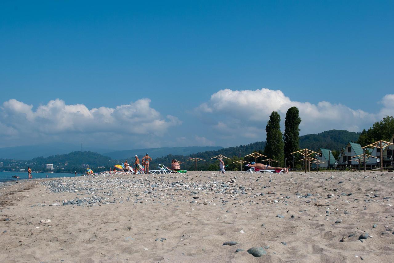 Пляжи Сухума: какое дно, вход в воду, как добраться и во сколько 8